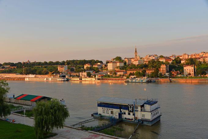 美しいベオグラードの町並みを堪能出来るサヴァ川の畔