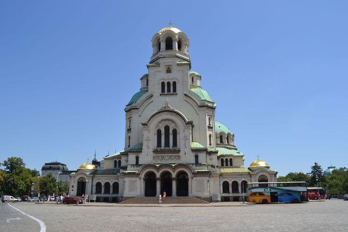 美しいアレクサンダル・ネフスキー寺院