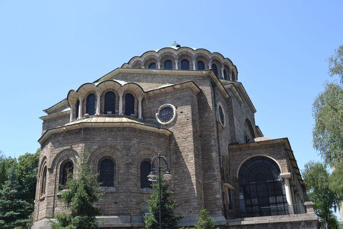 石造りのブルガリア正教の聖ネデリャ教会