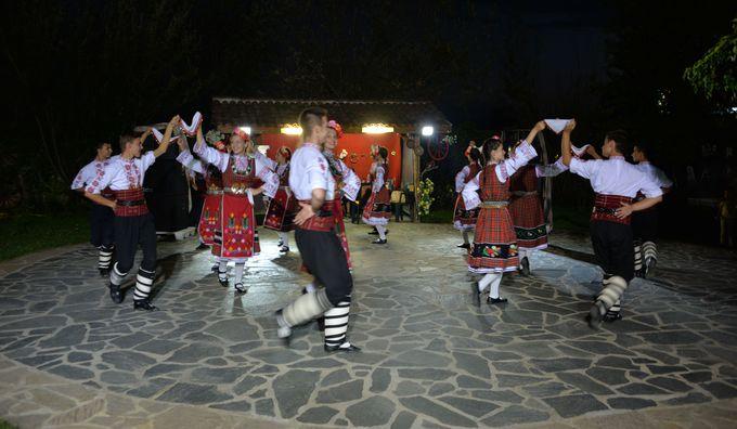 ブルガリアの伝統舞踊を堪能