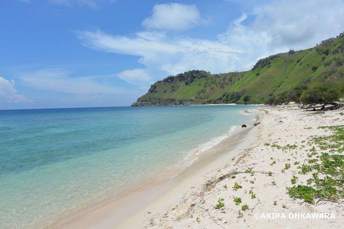 クリストレイ隣の綺麗な白砂ビーチ