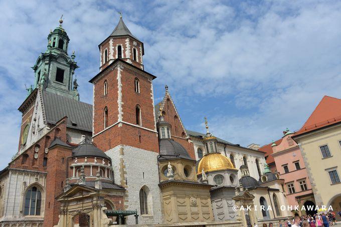 3、ヴィスワ川クルーズも!歴代ポーランド王の居城「ヴァヴェル城」を歩く