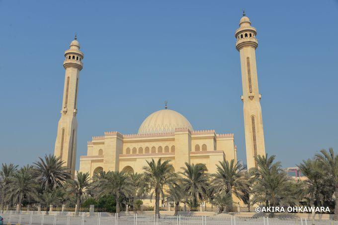 バーレーン最大モスク「アハマド・アル・テファフ・モスク」