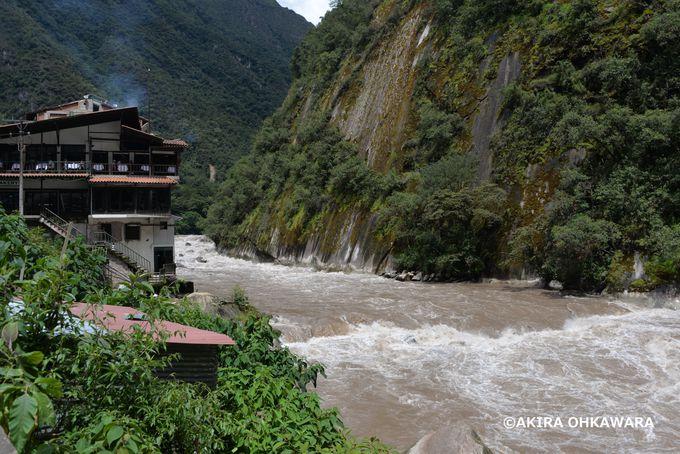 初代村長は日本人!急勾配の山々に囲まれた風光明媚なマチュピチュ村