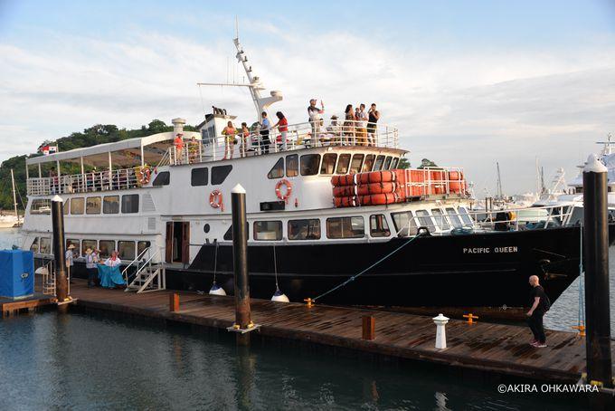 パナマ運河クルーズ遊覧船