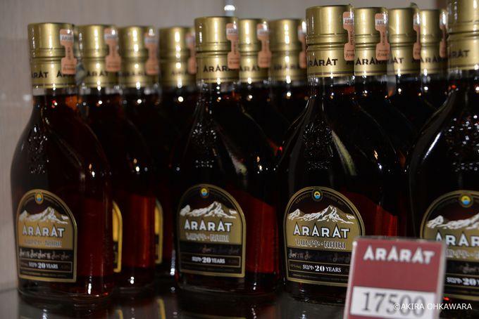 試飲ができるガイドツアーも「アララト・ブランデー工場」