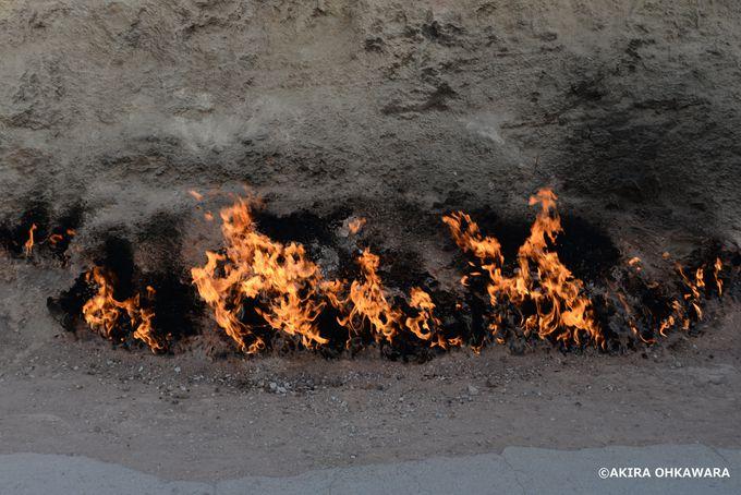60年以上炎が燃え続ける場所「ヤナルダグ」