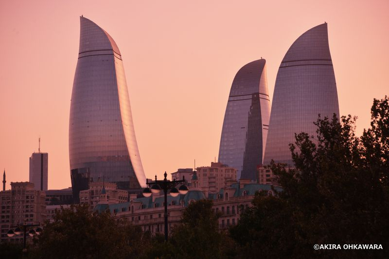 火の国アゼルバイジャン!カスピ海に面した首都バクーおすすめ名所