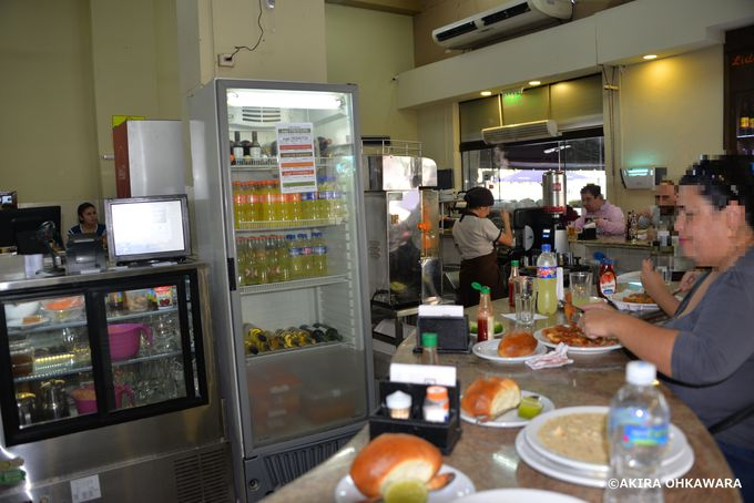 旧市街のお薦めレストラン「Lido Bar」