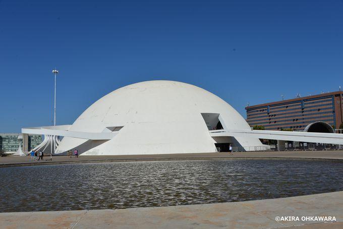 土星のような外観の国立博物館