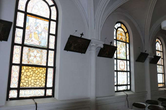 天主堂の「窓絵」これも日本ではここだけ!