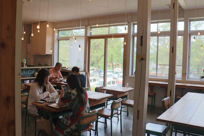 くさむらのへやと「Hachi Cafe」