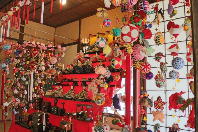 柳川の武家屋敷「旧戸島家住宅」も雛祭りの装い