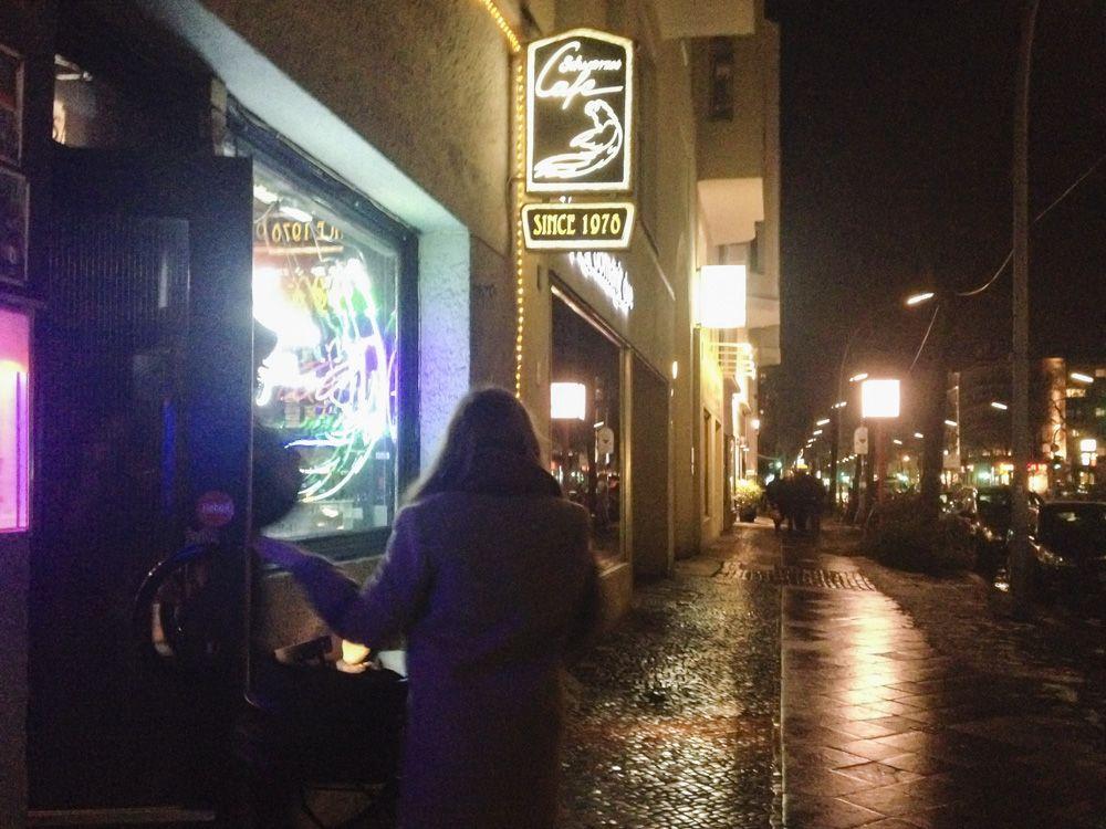 """ベルリンでは数少ない24時間営業!""""Schwarzes Cafe"""""""
