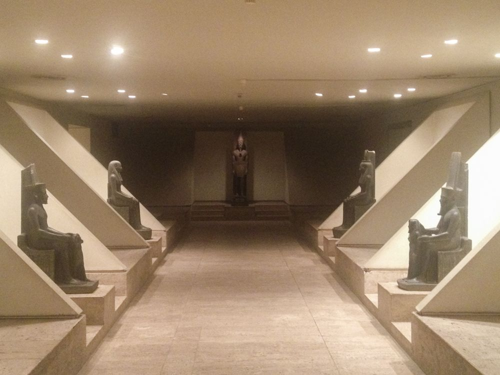 ミイラを見よう!おしゃれな展示が魅力の「ルクソール博物館」
