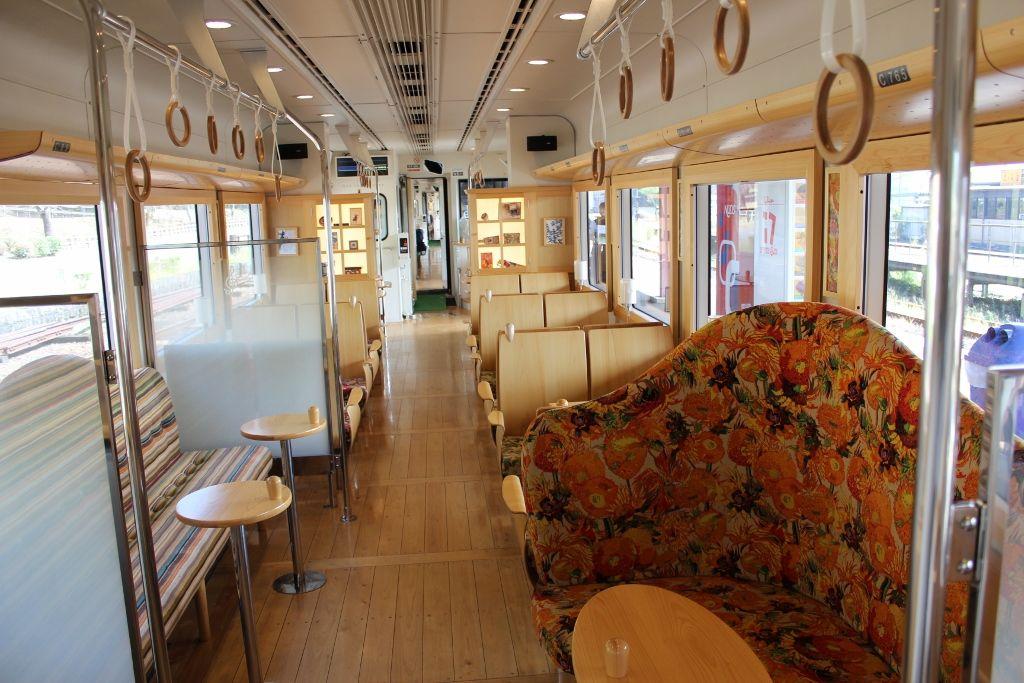 幸福駅も!?人吉球磨の田園風景を楽しめる観光列車「田園シンフォニー」