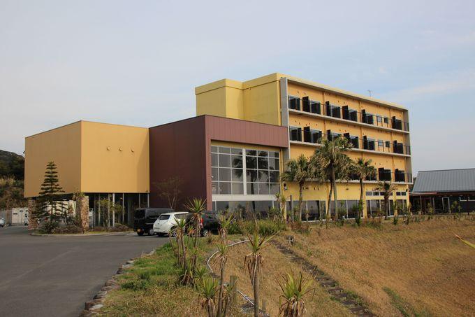 東シナ海を望む高台に建つ小さなホテル