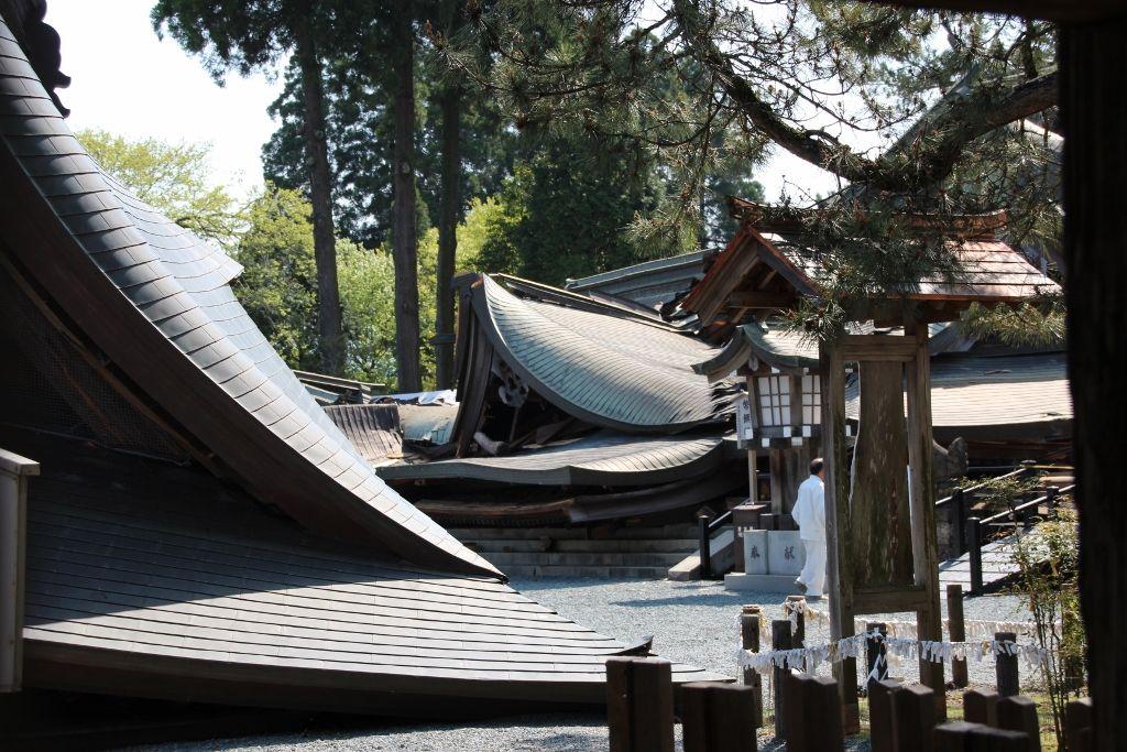 熊本地震!阿蘇神社に守られた門前町「水基巡りの道」