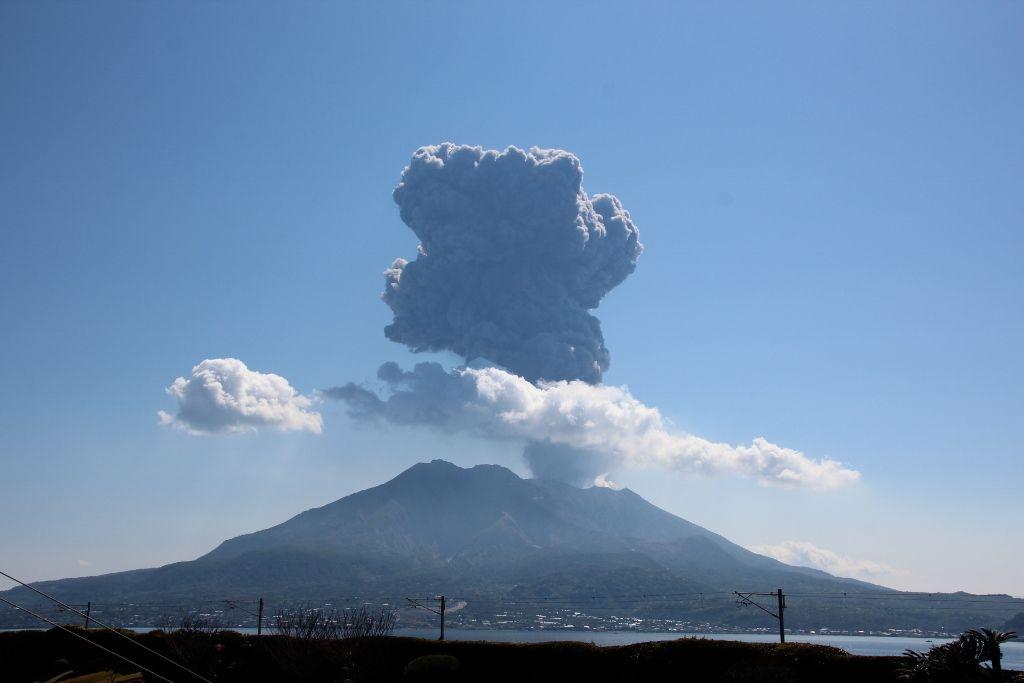 殿様もビックリ!噴火を繰り返す「桜島」