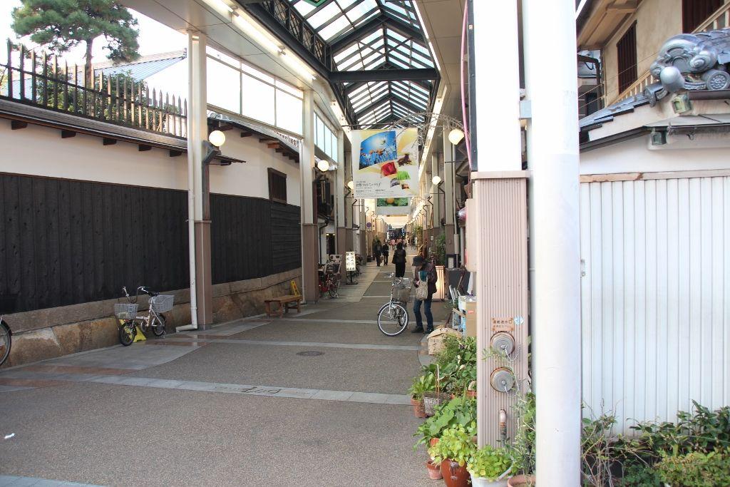 昭和レトロの空気が流れる倉敷商店街