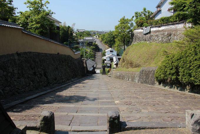 杵築の城下町を代表する須屋の坂