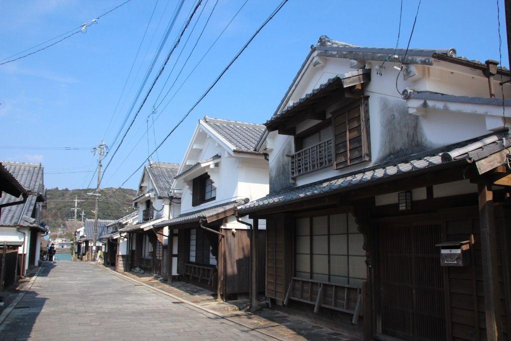 古い町家が今も残る美々津の街並み