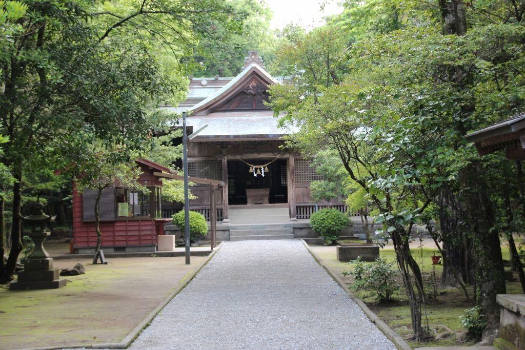 飾り気がない社殿ながらパワーは最強の江田神社
