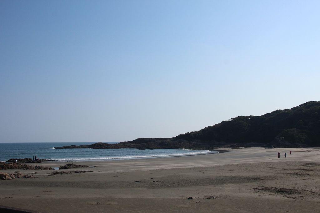 「快水浴場百選」宮崎県屈指の透明度を誇る伊勢ヶ浜海水浴場