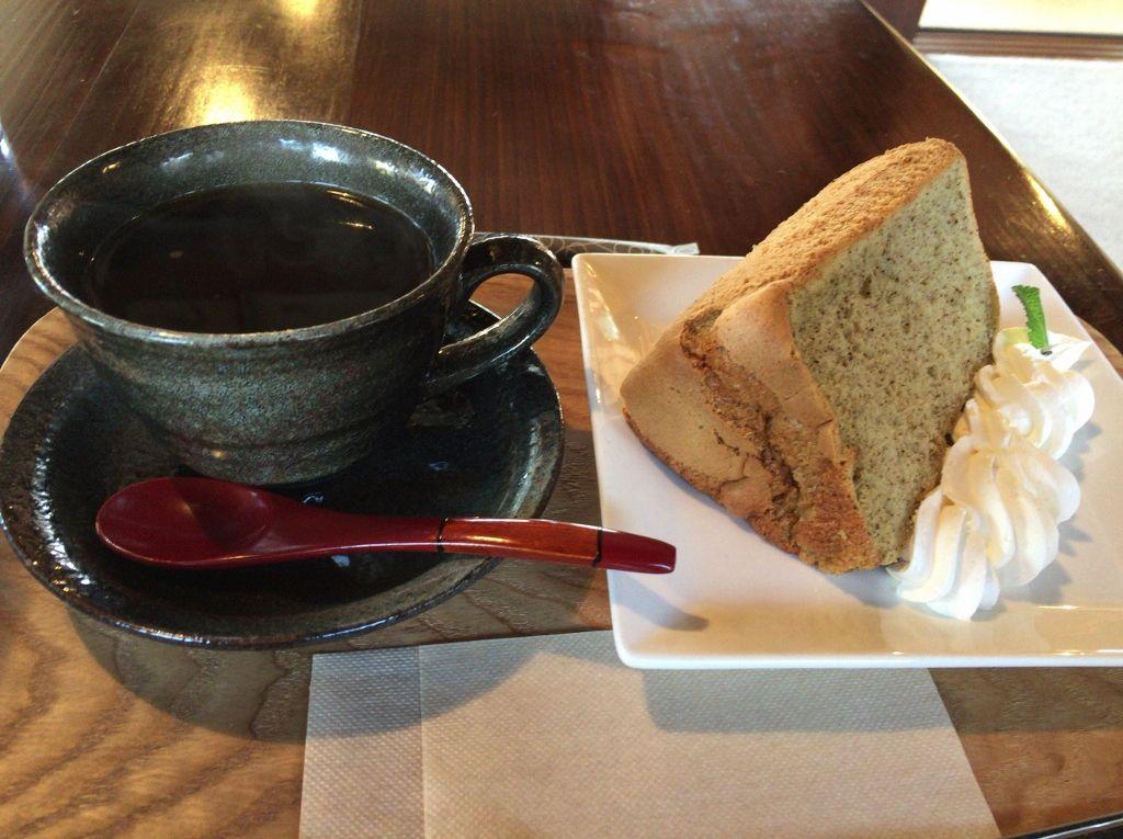 蒲生紅茶シフォンが絶品!築120年の古民家カフェ「らびゅー」