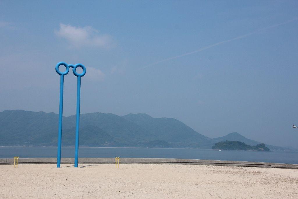 生口島内に野外彫刻が点在する「瀬戸田ビエンナーレ」