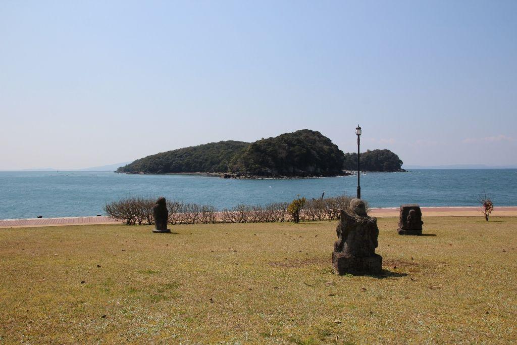 恋人の聖地から見る「恋路島」