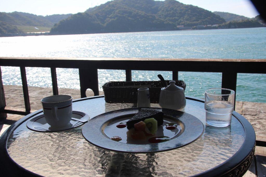 世界遺産で海を眺めながら過ごす午後 宇城市「三角西港」