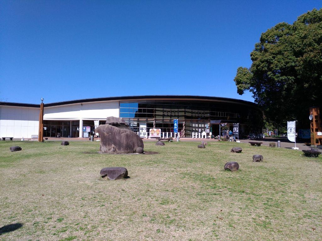 西都原古墳を巡る前に訪れたいガイダンスセンター「このはな館」