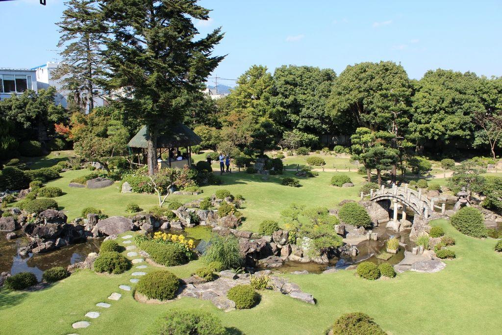 国の名勝に指定された池泉回遊式庭園