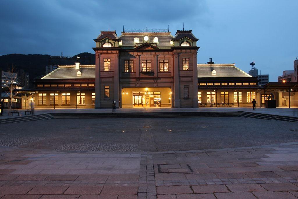 大正レトロが蘇った門司港レトロの玄関口 北九州「JR門司港駅」