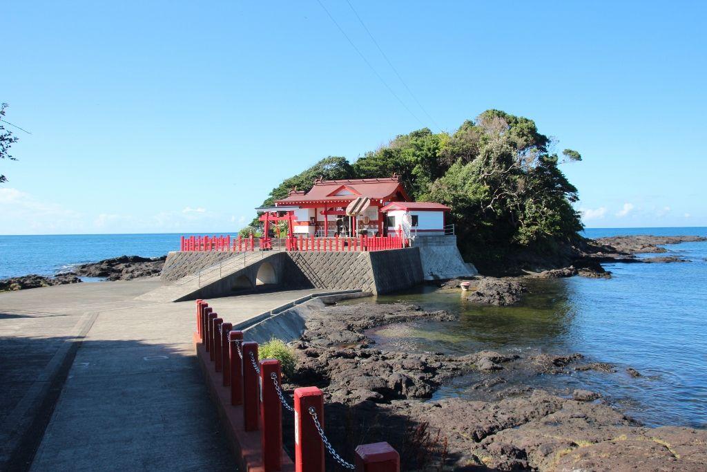 鹿児島で人気上昇中のパワースポット「釜蓋神社(射楯兵主神社)」