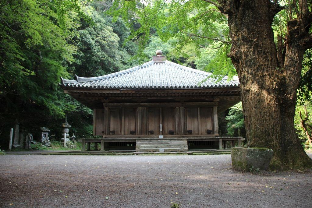 九州最古の木造建築物 国宝「富貴寺大堂」