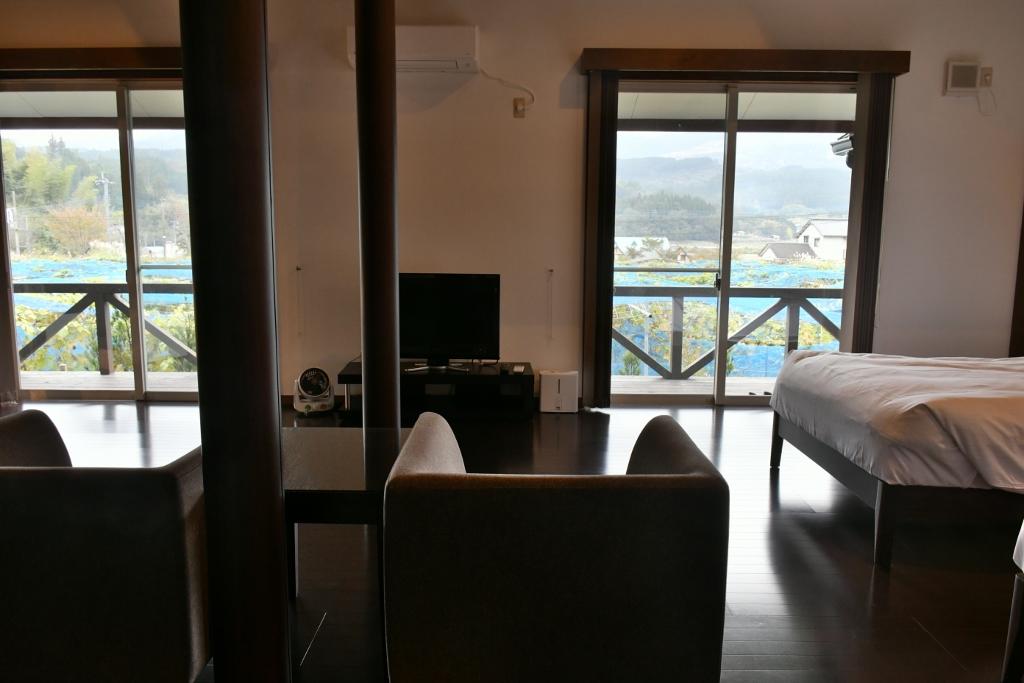 居心地のいい部屋と大きな窓からの景色が最高のおもてなし