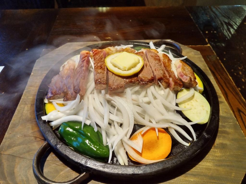 熊本のブランド牛 あか牛のステーキが絶品