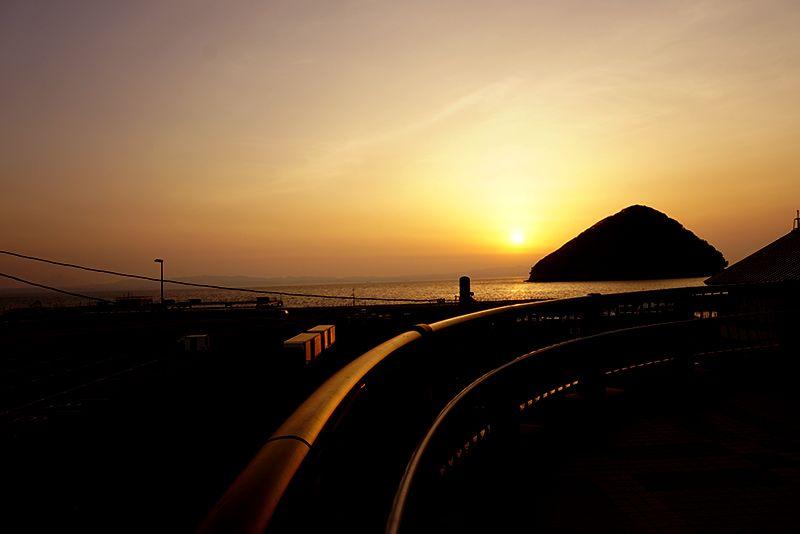 浅虫の魅力、一番はやはり陸奥湾に沈む素晴らしい夕陽!