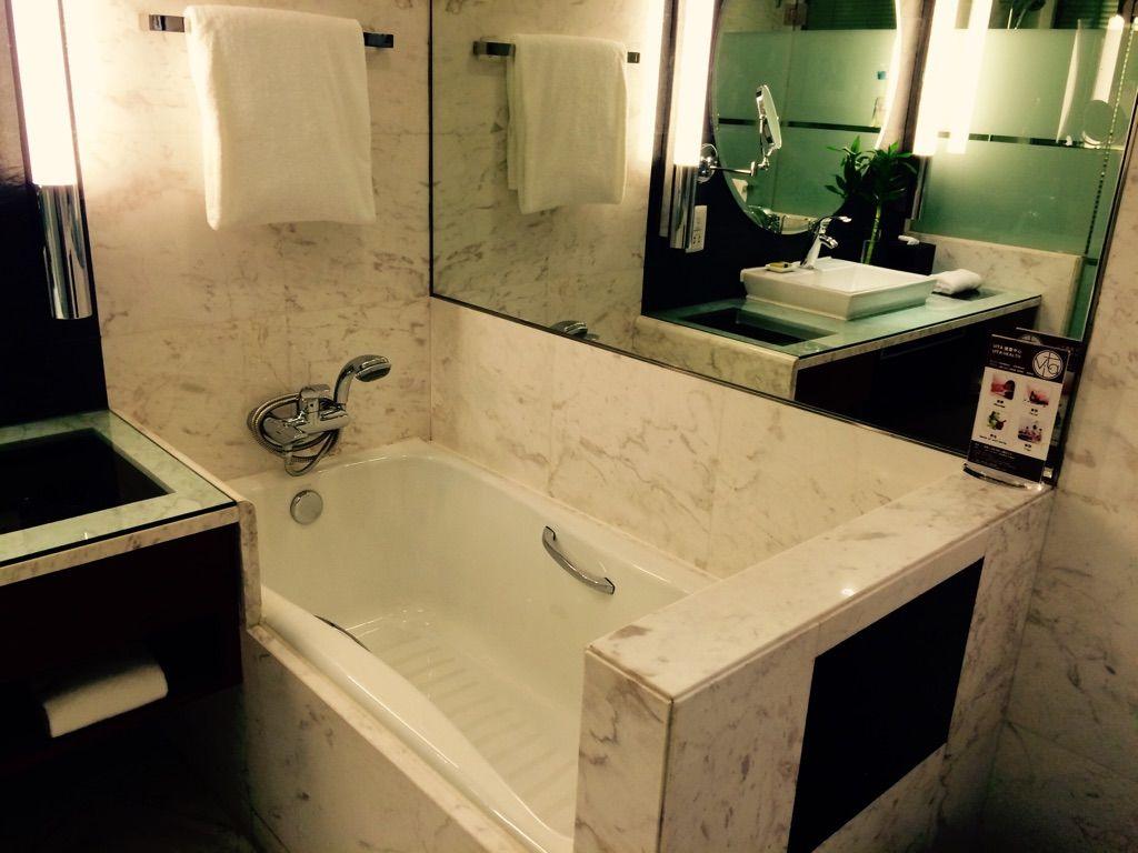 広いバスルームで至福のお風呂タイム!