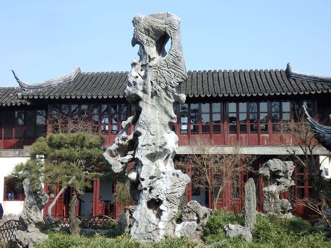 まずは世界遺産の庭園「留園」を見学
