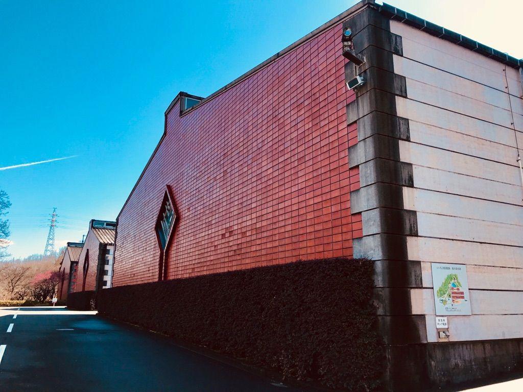 「いいちこ日田蒸留所」目印は赤いレンガ造りの貯蔵庫