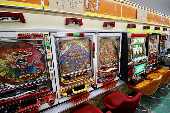 マニアが喜ぶレアな機械も!昭和のゲーム機たち
