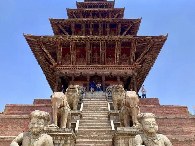 ネパール式の五重塔!トゥマディー広場へ