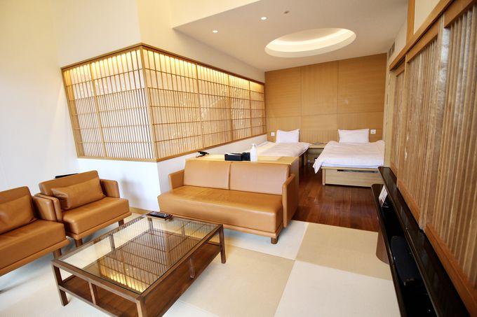 露天風呂でくつろぎたい、和モダンの客室