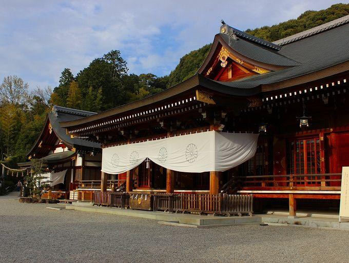 日本最古の大神神社と病気平癒の狭井神社