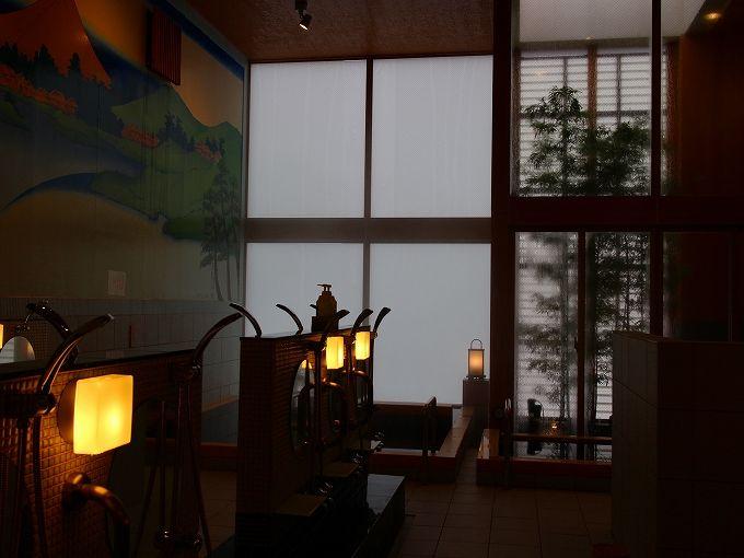 御谷湯を飾る逆さ富士と葛飾北斎