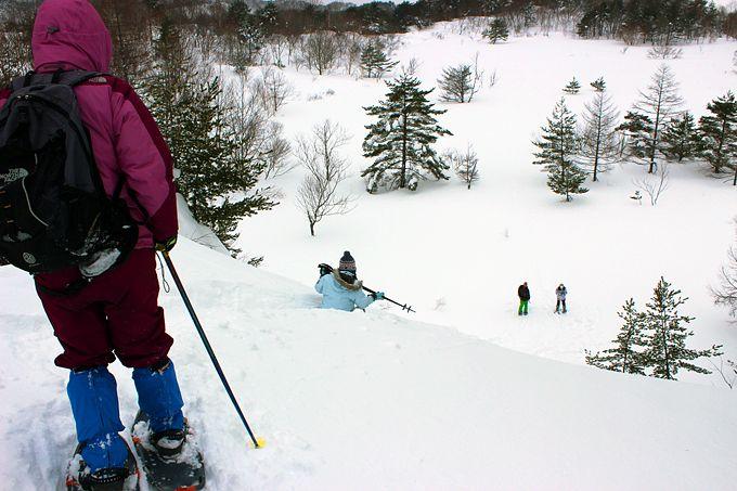 凍った湖を歩いたり、磐梯山の噴気孔を見上げたり、天然のすべり台を滑ったりしよう!