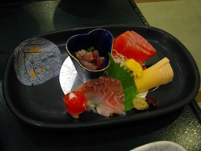 会津の郷土料理を堪能!おふくろバイキングも評判